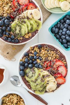 My Favorite Acai Bowl. My most favorite acai bowl I share my tips & tricks for your most Stellar Smoothie Bowl Ever! Acai Smoothie, Smoothie Bowl, Healthy Smoothies, Healthy Snacks, Healthy Recipes, Healthy Eating, Breakfast And Brunch, Breakfast Bowls, Breakfast Recipes