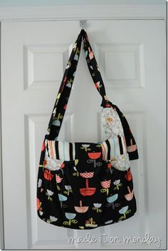 The Mama and Baby Bag-- Diaper bag pattern and review