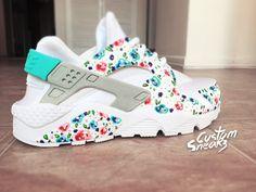 Nike Huarache Custom Floral pour femme, b  lanc sur blanc Womens Custom Nike Huarache, bleu sarcelle, peint à la main