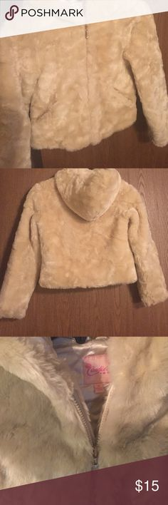 Candies girls faux fur coat, size S Candies faux fur, silky quilted lining, hood, gold accent zipper, size Small, excellent condition Candie's Jackets & Coats