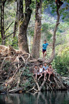 People in Vieng Pou Kha, Lao Peoples Democratic Republic (kids river) - a photo by pascalauffret