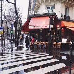 "joyceinparis: ""Weekend vibes ☔️ #street #paris (à Rue Lucien-Sampaix) """