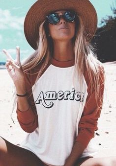 Halley Elefante (The_Salty_Blonde) in my America sweatshirt design for Wildfox Mode Style, Style Me, Surfergirl Style, Outfit Chic, Bohemian Outfit, Boho, Mode Hippie, Lunette Style, Summer Outfits