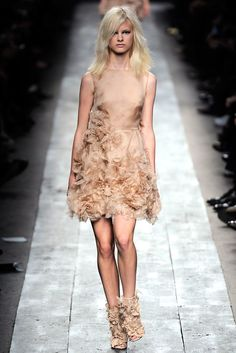 Valentino - Spring 2010 Ready-to-Wear