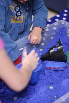 Make your own Moon Sand! MOON SAND RECIPE It is a basic 2 to 1 ratio (sand to cornstarch) 6 cups of play sand (I used Crayola Brand - Blue) 3 cups of cornstarch 1 cups of cold water Craft Activities For Kids, Preschool Crafts, Projects For Kids, Crafts For Kids, Craft Ideas, Children Crafts, Play Ideas, Science Activities, Diy Moon Sand