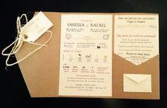 Envelope em papel Kraft 250 g/m², demais impressos em papel Vergê 180 g/m² e cordão de sisal. Convite totalmente artesanal ideal para casamenos no campo, praia ou para quem deseja um convite um pouco mais informal e moderno.