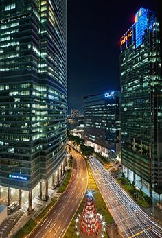 That building on the right used to be where my offices were while I was a strategist at Microsoft. #Singapore
