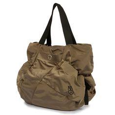 Mandarina Duck Skipper bag. Love the quilt look