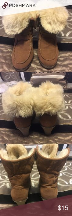 Bamboo brand boots size 9 Cute little pair of boots!  You can wear them with fur showing or pull them up and wear them with the fur on inside. BAMBOO Shoes Wedges