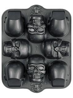 Mini Skull Halloween Dimensions 8 Cavity Non-Stick Cake Pan Wilton 0607 - NEW in Home & Garden