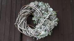 """Přírodní+věnec-+,,První+sníh""""+Přírodní+věnec+-proutí+,+neopadavé+jehličí,+šišky+...+..vzadu+očko.+39cm Grapevine Wreath, Grape Vines, Hanukkah, Wreaths, Home Decor, Decoration Home, Door Wreaths, Room Decor, Vineyard Vines"""