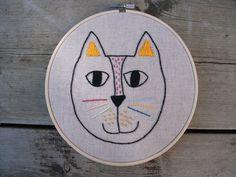 Cat Embroidery Hoop Art / Animal Embroidery Hoop Art, Christmas gift, Cute embroidery hoop art