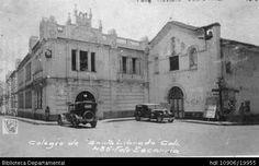 Foto Escarria. Colegio Santa Librada, Cali 1930. OTRO: Biblioteca Departamental Jorge Garces Borrero, 1930. 9X12.5.