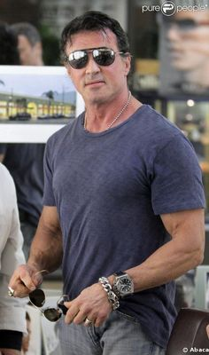 PHOTOS - Sylvester Stallone is better known for his muscles than for his big roles. However, to get into the shoes of the Copland policeman the test comedian - Padget Ewells Rocky Balboa, Rocky Sylvester Stallone, Stallone Rocky, Chuck Norris, Keanu Reeves, Bruce Willis, Silvester Stallone, Action Movie Stars, The Expendables