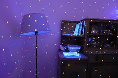 Ultraviolet Dots by Nbee_, via Flickr