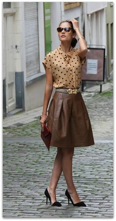 Camel polka dots blouse and leather skirt in combination with black shoes and re. - Camel polka dots blouse and leather skirt in combination with black shoes and red handbag. Classical colours create amazing elegant look. Brown Fashion, Look Fashion, Autumn Fashion, Womens Fashion, Fashion Trends, Fashion Belts, Classy Fashion, Fashion Design, Trendy Fashion