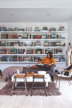 #books #bookshelf #homelibrary #shelfideas Decor Interior Design, Interior Decorating, Brick Cladding, Country Lifestyle, Black Cabinets, Best Budget, White Paints, Wall Shelves, Master Bedroom