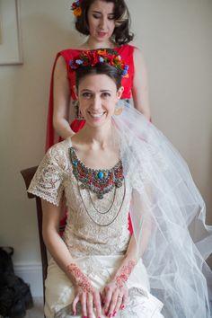 The beautiful Ana and her Frida Kahlo inspired wedding Cute Dresses, Short Dresses, Flower Girl Dresses, Frida Kahlo Wedding, Destination Wedding Inspiration, Wedding Ideas, American Dress, Mexican Fashion, Spanish Wedding
