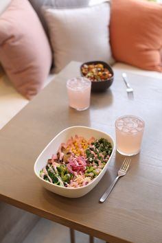 Delicious Vegan Bowls, Mac N' Cashew Cheese and House Made Sodas! Cashew Cheese, Vegan Comfort Food, Vegan Restaurants, House Made, Plant Based Recipes, Whole Food Recipes, Mac, Dining, Health