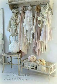 10 Magnificent Cool Tips: Shabby Chic Chairs Mirror shabby chic bedroom baby.Shabby Chic Bedding Boho shabby chic house dream homes.Shabby Chic Home Kitchens. Casas Shabby Chic, Shabby Chic Mode, Shabby Chic Living Room, Shabby Chic Interiors, Shabby Chic Bedrooms, Shabby Chic Style, Shabby Chic Furniture, Shabby Chic Fashion, Romantic Bedrooms