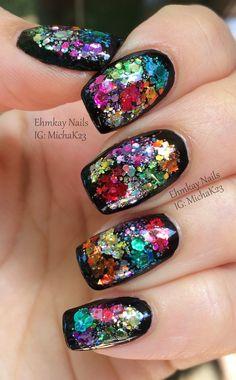Color Block Glitter Framed Nail Art http://ehmkaynails.blogspot.com/2014/07/color-block-glitter-framed-nail-art.html