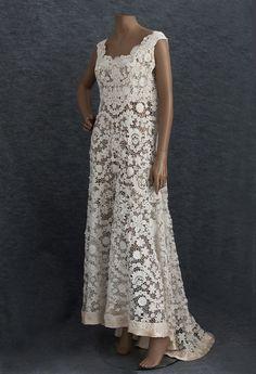 Irish crochet lace wedding dress, c.1912. #vintagebridaldress #pinterest/laurelridgegolf.com