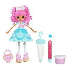 Decoreer je Lalaloopsy Girls Cake Fashion Fancy Frost 'N' Glaze steeds weer anders met de glazuurpen en glitterpen. Geschikt voor kindjes vanaf 4 jaar. Te vinden bij Sassefras Meisjes Speelgoed voor écht peuter en kleuter speelgoed.