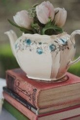 Old books and vintage china <3