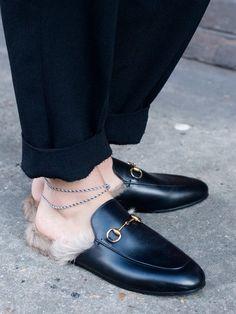 Trends wie diese Fell Slipper von Guccischeinen aus dem Nichts zu kommen. Aber ist das wirklich so. Wir haben mal nachgefragt.