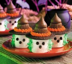 Marshmallow Witches cute kiss party witch treats halloween marshmallow hershey