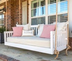White porch swing - Bed swing or chair swing is one of the most wonderful things you can put on a porch. Swing chairs are also pretty good . Farmhouse Porch Swings, Porch Bed, Diy Porch, Up House, House With Porch, Pergola Swing, Pergola Cover, Pergola Plans, Corner Pergola