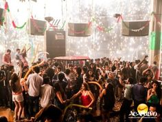 #vidanocturnaenacapulco Vete de fiesta en Acapulco al Mandara. VIDA NOCTURNA EN ACAPULCO. Mandara es un lugar elegante, sofisticado y con increíble música, luces y servicio. Aquí encontrarás diversas promociones en bebidas de calidad y definitivamente, es el lugar idóneo para pasar una gran noche en Acapulco; además, organizan fiestas temáticas para que la pases aún mejor. Diviértete durante tus próximas vacaciones en el paradisiaco Acapulco, visitando este lugar. www.fideturacapulco.mx