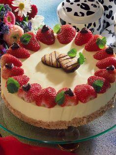Kuchen zum Muttertag: Leckere Backideen für Mama | Wunderweib Cheesecake, Strawberry, Pudding, Desserts, Food, Philadelphia, Cakes, Pastries, Mothers Day Cake