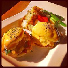 みんな大好きエッグスベネディクト* | ペコリ by Ameba - 手作り料理写真と簡単レシピでつながるコミュニティ -