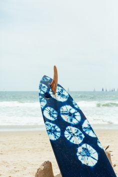 Tye-dye board art, look like sand dollars!