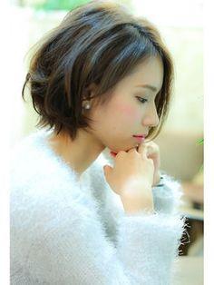 【髪型画像】前下がりミディアムボブのヘアカタログ【可愛い♡人気スタイル】 - NAVER まとめ