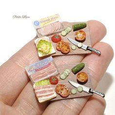 "3,578 Likes, 19 Comments - @_petit.fleur_ on Instagram: Miniature BLT sandwich ingredients ""サンドイッチ制作中です。 #ミニチュアサンドイッチ #ドールハウス #ハンドメイド #ミニチュアフード #サンドイッチ #ミニチュア #ミニチュアスイーツ #粘土…"" #miniaturefood"