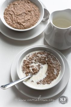 KETO Hot Vanilla Seed Cereal: make all your missing-oatmeal dreams come true when you dig in to a bowl of this warm, tasty, low-carb high-fat goodness!