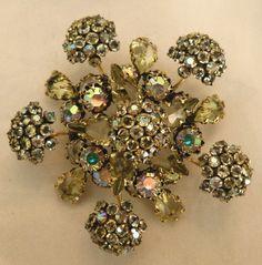 Gorgeous vintage Schreiner floral pin