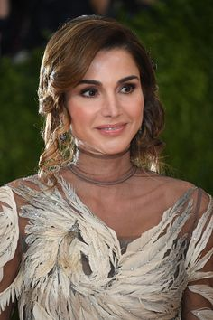 2 May 2016 - Queen Rania at Met Gala in New York - dress by Valentino