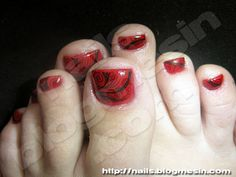 Toenail Nails Arts Designs Red Toe With Black Curvy Design By Rabbit
