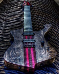 🎼The Ibanez Iceman in 7th string attire🎼
