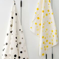 DOTS swaddle (pair) - white