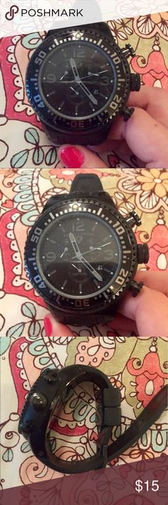 Swiss Legend Neptune Men's Watch Black Swiss Legend Neptune Men's Watch Black, needs new battery, some scratching on face, band in good condition Swiss Legend Accessories Watches