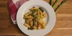 Frühlingsküche: Pasta mit Spargel-Carbonara » Mit etwas Verspätung starte auch ich in die Spargelsaison. Dabei s ...