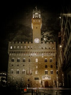 Palazzo Vecchio aan Piazza della Signoria, Florence, www. Florence Tuscany, Dan Brown, European Tour, Travel Abroad, Countries Of The World, Glamping, Places Ive Been, Travelling, Beautiful Places