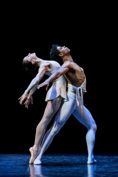 Carlos Acosta and Marianela Nuñez in Apollo.© Johan Persson. (Click image for larger version)