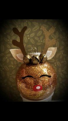 Christmas Ornament Crafts, Diy Christmas Gifts, Christmas Projects, Handmade Christmas, Christmas Tree Ornaments, Holiday Crafts, Reindeer Ornaments, Christmas Love, Christmas Holidays