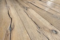 Painting Linoleum Floors, Linoleum Flooring, Wooden Flooring, Kitchen Rug, Kitchen Flooring, Planchers En Chevrons, German Decor, Transition Flooring, Inexpensive Flooring
