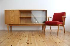 Entwurf: Franz Ehrlich - 1956 Hersteller: VEB Deutsche Werkstätten Hellerau Modell: 602/H --> leider zu hoch Material: Senesche  350 Euro